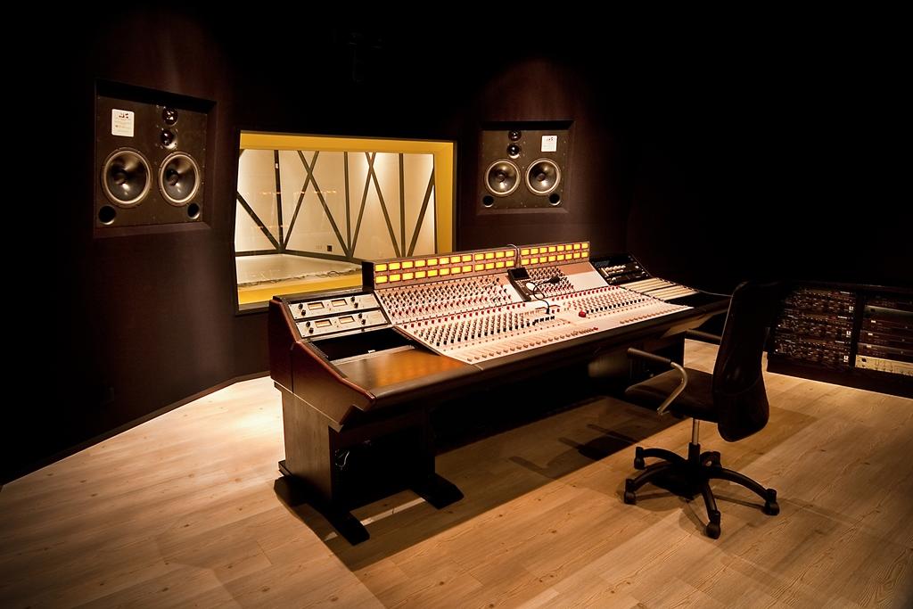 Yellow-Box-Studios-ATC-Large.jpg